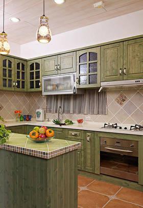清新美式绿色厨房设计