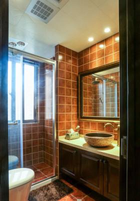 美式别墅室内卫生间设计效果图片