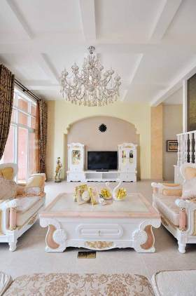 粉嫩欧式风格客厅装潢设计