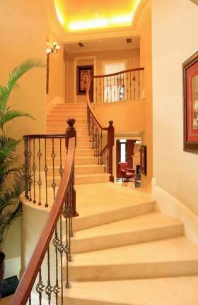 新古典主义楼梯装修设计
