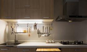 原木风精致化厨房装修设计