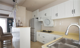 简约宁静厨房吧台装修设计