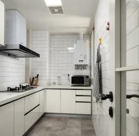 北欧简约白色厨房装修设计