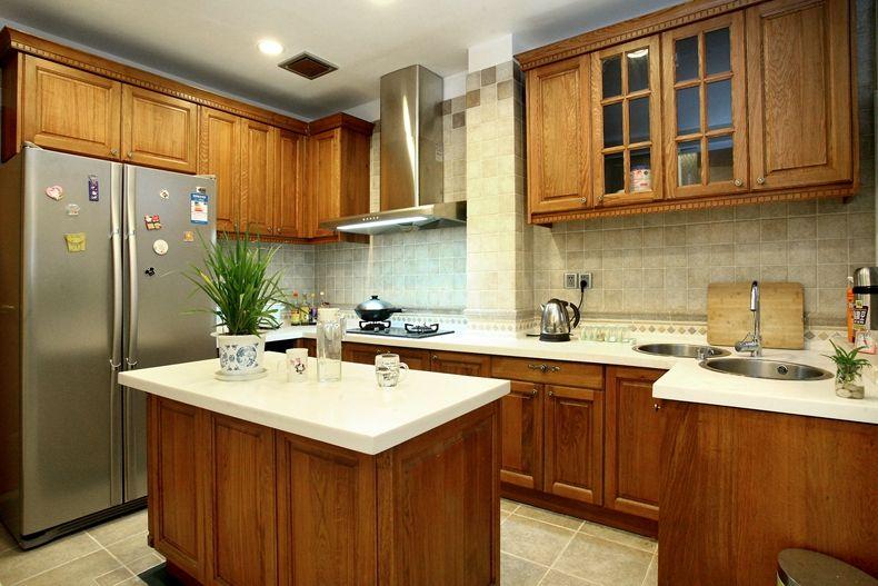 原木色美式风格厨房橱柜装修布置