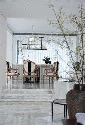 白色古典优雅清爽餐厅设计欣赏