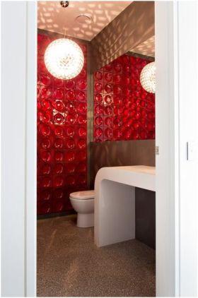 现代风格红色热情卫生间设计案例