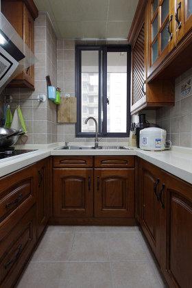 米色雅致新古典风格厨房装修设计