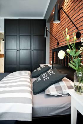 黑色质感简约风衣柜装饰案例