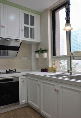 2016白色简欧风格厨房装修