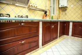 黄色浪漫简欧风格厨房橱柜装修案例
