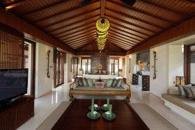 红色东南亚风格客厅设计装潢