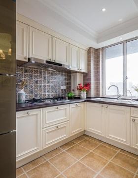 简欧风格白色雅致厨房装修设计