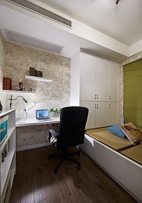 白色简约风格卧室榻榻米装修效果图欣赏