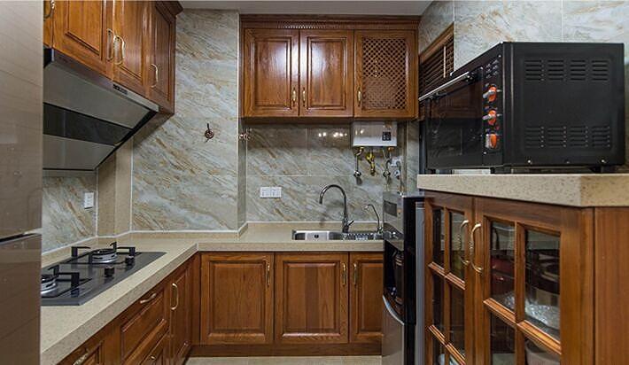 原木时尚美式风格厨房装修布置