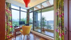 彩色东南亚风格书房窗户欣赏