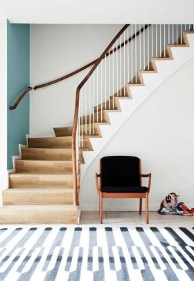 白色节奏感素雅简约风格楼梯装饰设计图片