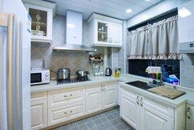 浪漫米色欧式风格厨房橱柜设计欣赏