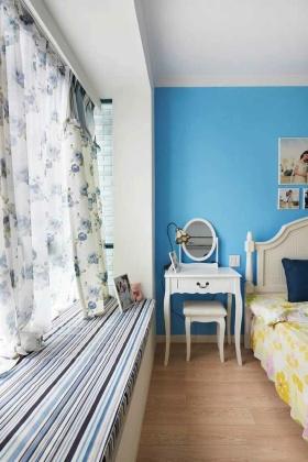 浪漫蔚蓝地中海飘窗装修案例