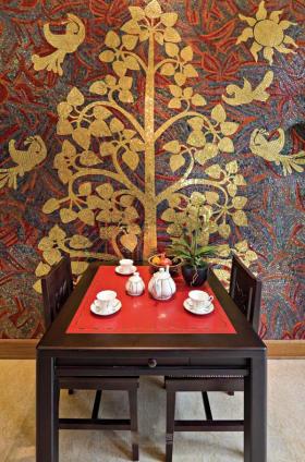 个性红色东南亚风格餐厅装修案例