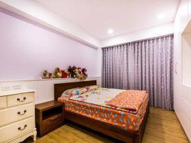 现代风格浪漫紫色卧室装修