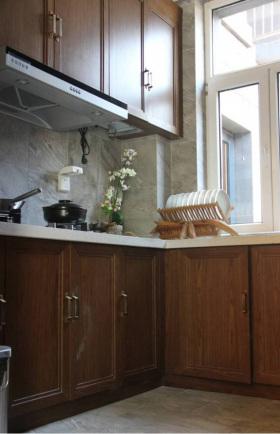 简洁中式厨房橱柜装修图