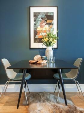 蓝色艺术感大点现代餐厅图片赏析