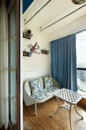 蓝色清爽地中海阳台设计案例