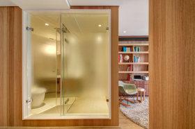 质朴原木日式现代简约风格卫生间隔断设计案例