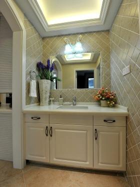 白色简欧卫生间设计案例
