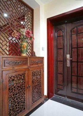 中式风格典雅红色玄关设计欣赏