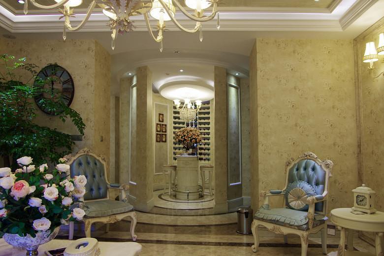 黄色欧式风格轻奢客厅效果图设计图片