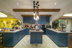 蓝色浪漫地中海风格厨房橱柜装修设计