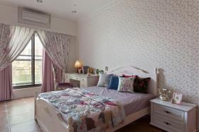 舒适田园粉色卧室窗帘装饰设计图片