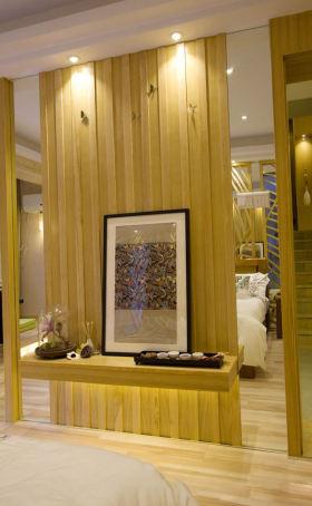 黄色东南亚风格卧室隔断美图赏析