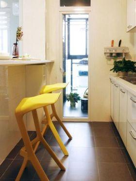 个性简约风格黄色吧台装修设计