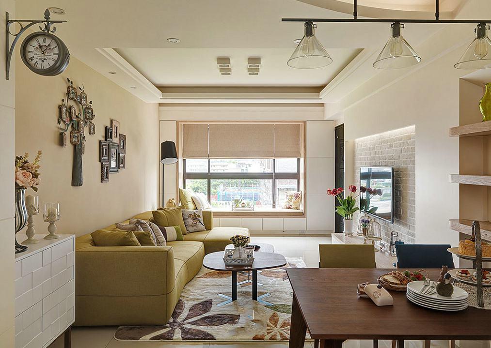 田园风格米色客厅吊顶装修设计图