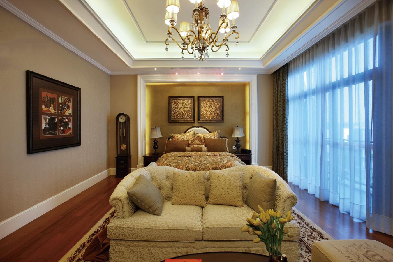 黄色轻奢美式风格卧室装修案例