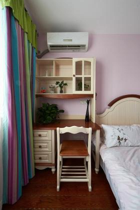 彩色简欧风儿童房装修设计