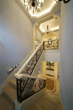 浪漫精致时尚简欧风格楼梯装潢