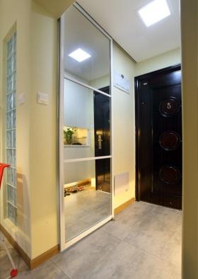米色现代简约风格玄关装饰设计图片