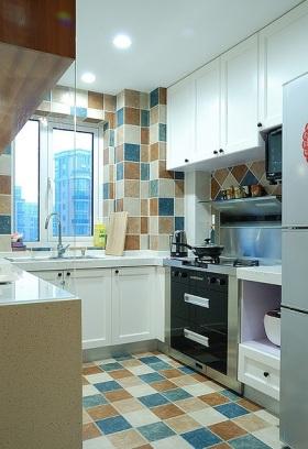 宜家风格优雅彩色厨房装修赏析