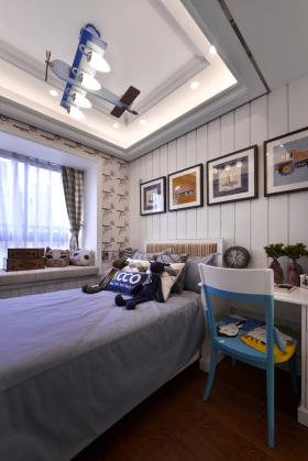 美式风格卧室飘窗设计装潢