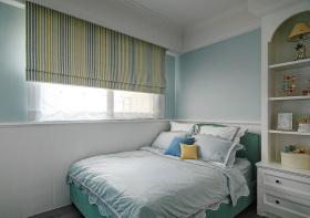 美式风格灰色卧室窗帘装修效果图