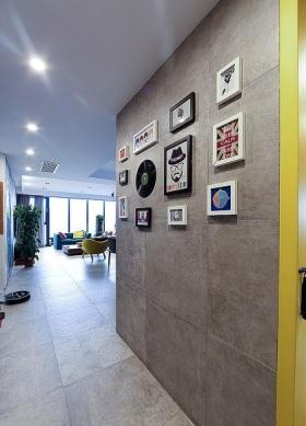 现代风格灰色质感照片墙装修赏析