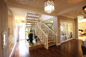 简欧风格白色浪漫楼梯设计图片