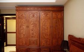 中式风格典雅红色衣柜装饰赏析