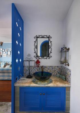 混搭风格清新蓝色卫生间设计案例