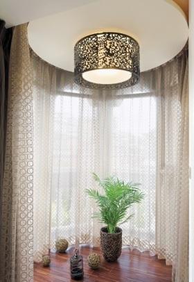 现代米色窗帘装修设计2016