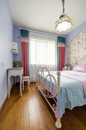 唯美田园风格米色卧室窗帘装潢设计