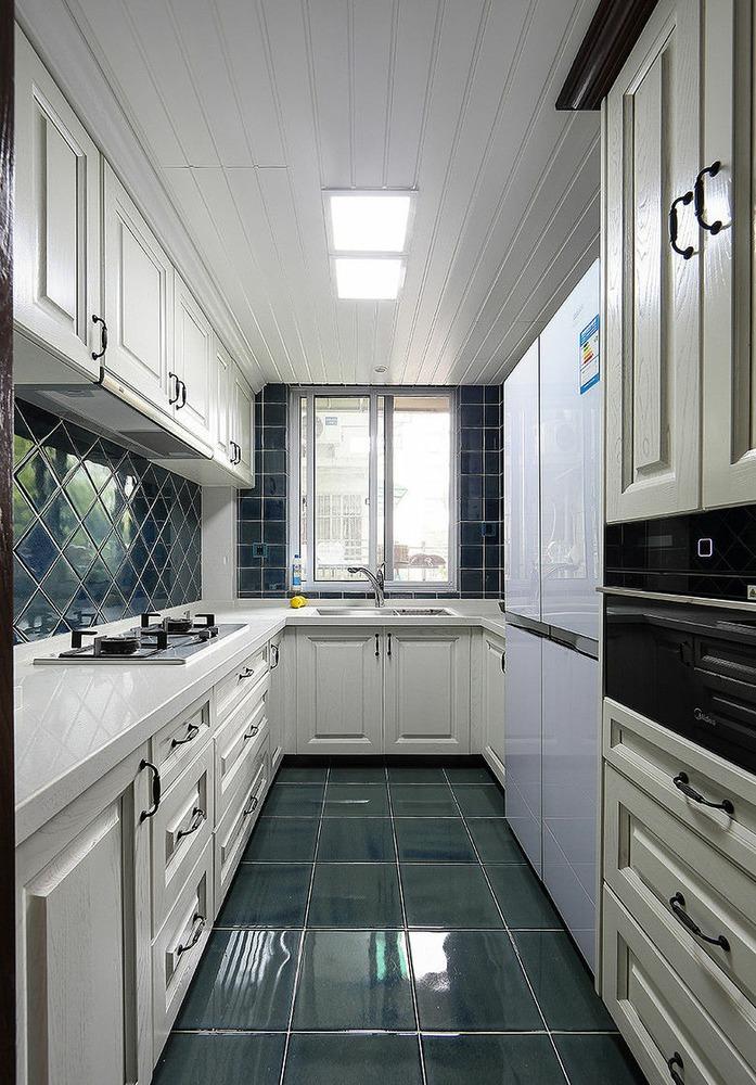白色时尚个性欧式乡村风格厨房装修图